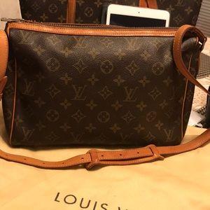 Authentic Vintage Louis Vuitton Cross body bag